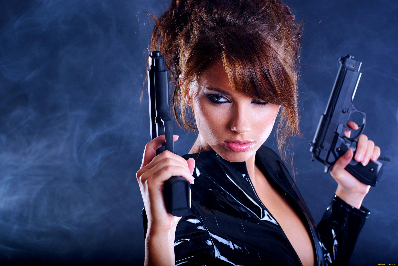 девки с пушками онлайн взяла член рот