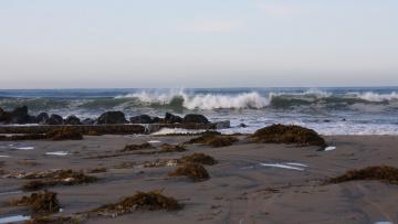 обоя природа, побережье, песок, волны, камни