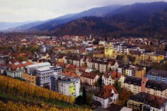 обоя города, - пейзажи, лес, осень, дома, баден-вюртемберг, город, природа, здания, холмы, germany, панорама, freiburg, im, breisgau, фрайбург, фрайбург-им-брайсгау, германия, baden-wurttemberg