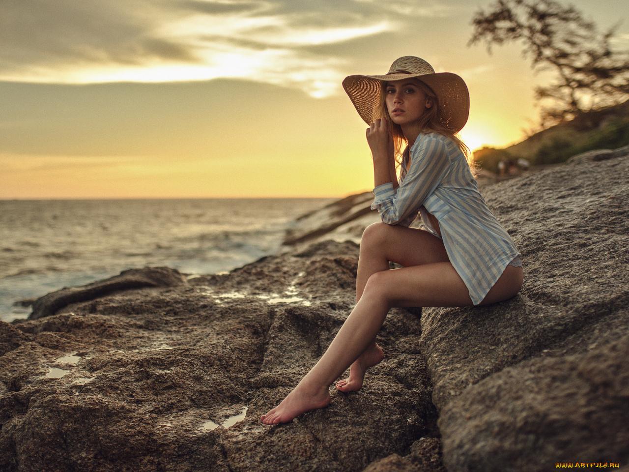 Фото девушек на фоне океана, Фото: Девушка на фоне океана 8 фотография