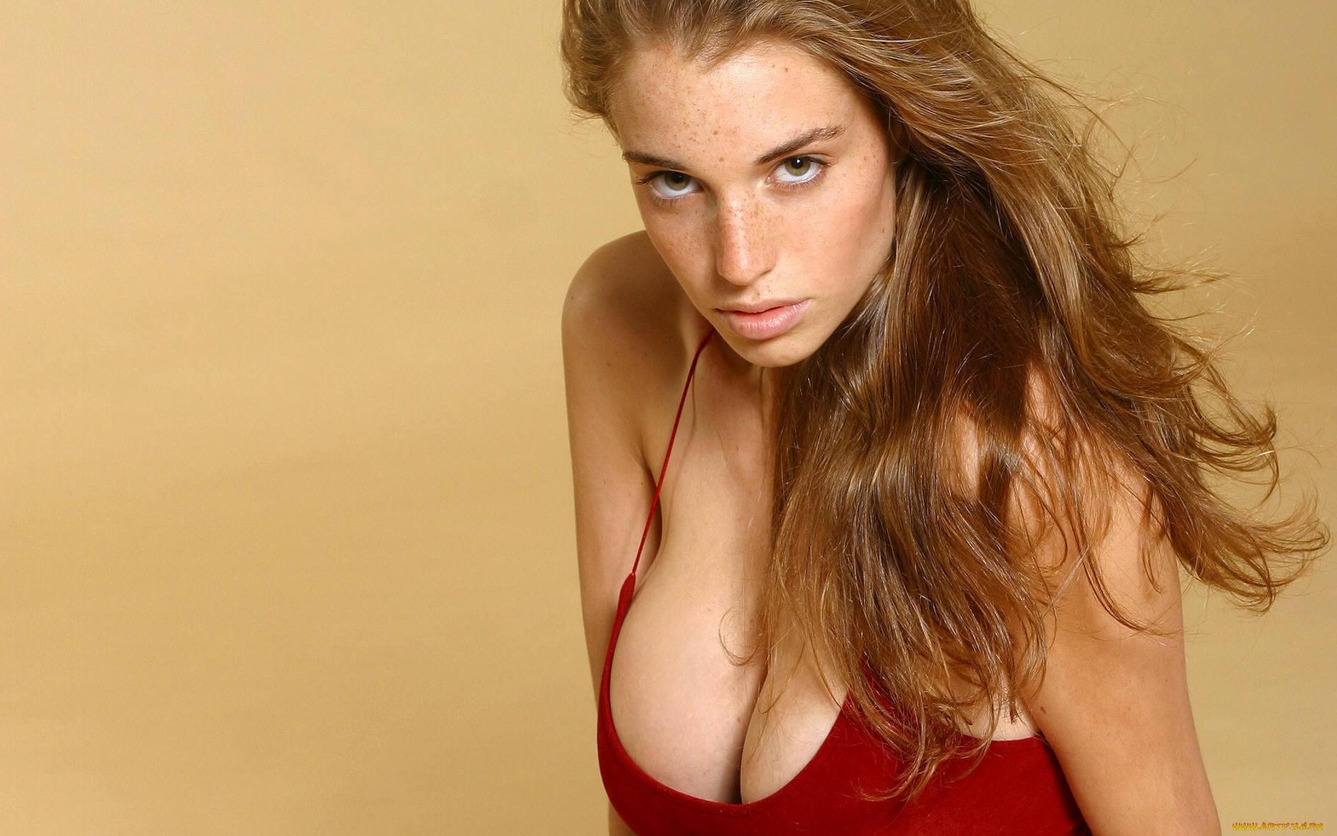 Худенькая девочка с большой грудью, Худенькая красотка с большой грудью 16 фотография