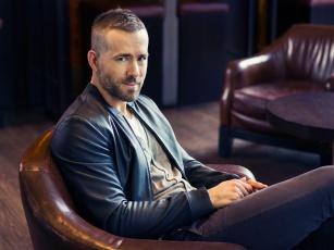 Картинка ryan+reynolds мужчины столик кресло актер