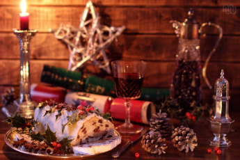 Картинка праздничные угощения рулет свеча декор