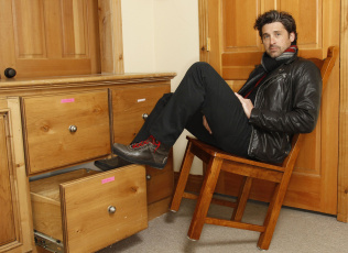 Картинка patrick dempsey мужчины стул актер