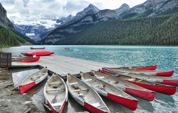 Картинка lake louise alberta canada корабли лодки шлюпки горы пристань канада озеро луиза альберта каноэ пейзаж