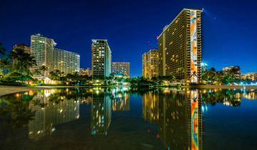 Картинка города -+огни+ночного+города пальмы небоскребы водоем