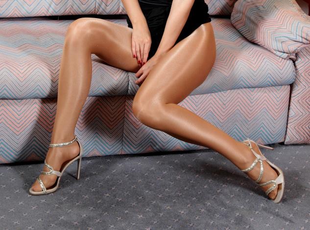 Женские ножки в чулочках фото 36305 фотография