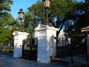 Картинка white house front gate разное элементы архитектуры ворота