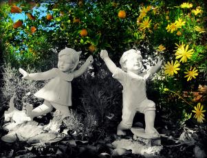 Картинка разное рельефы +статуи +музейные+экспонаты статуи клумба