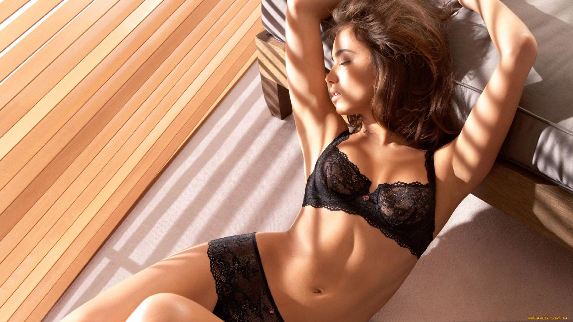 Сексуальне красивые девушки, Порно видео с красивыми и миловидными девушками 13 фотография
